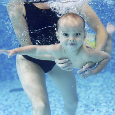Curso de Monitor de estimulación acuática para bebés con prácticas