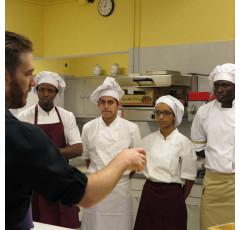 Curso de Cocina Como Lugar de Trabajo: Tecnologia y Condiciones Fisico-Ambientales