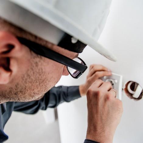 curso-de-especialista-en-prevencion-de-riesgos-laborales-en-electricidad-y-electronica